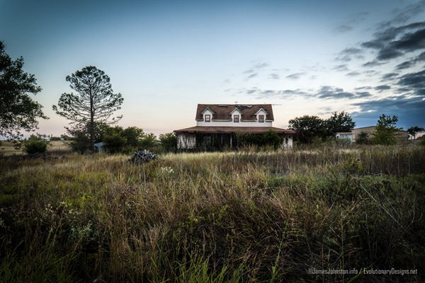 Abandoned Farm House East of Decatur Texas